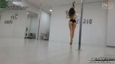 POLE DANCER BOOTY TEASE VIDEO FROM TWITCH thumbnail