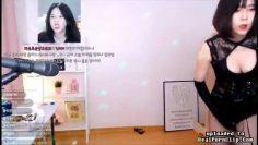 KOREAN STREAMER 2SJSHSK NIPPLE SLIP ACCIDENTAL PORN VIDEO LEAKED thumbnail